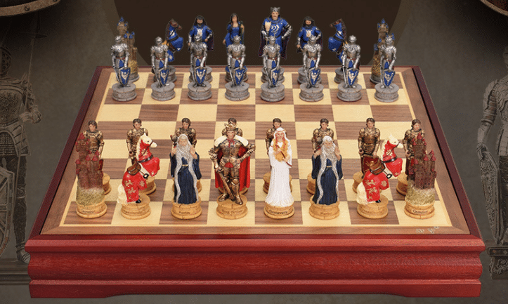 Three-dimensional Character Chess Set