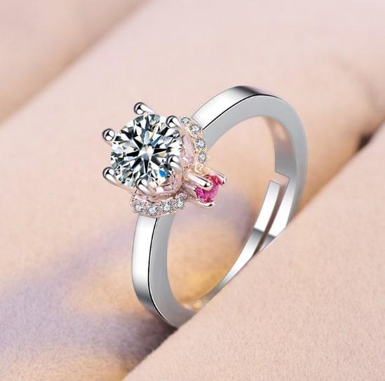 Classic six claw single diamond ring