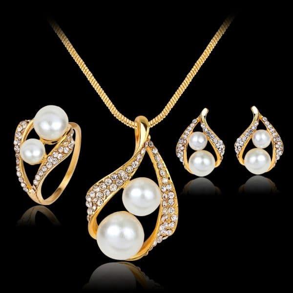 Three-piece Set Of Necklaces