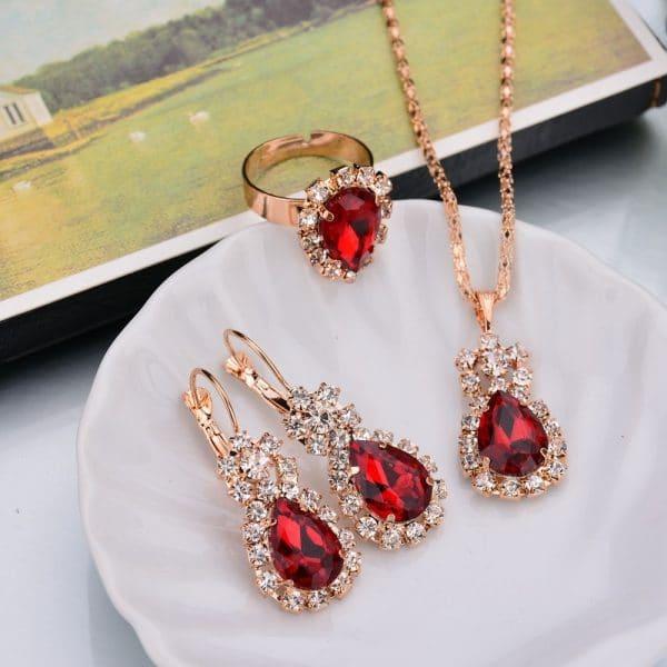water drop color diamond necklace