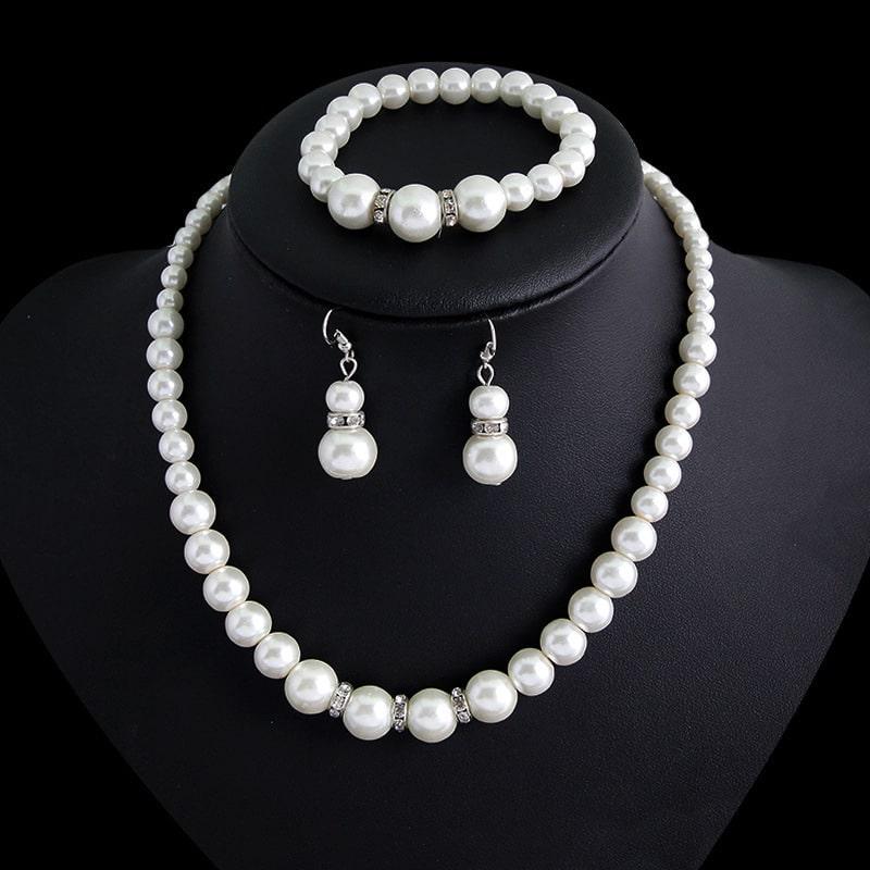 Three-piece Pearl Necklace