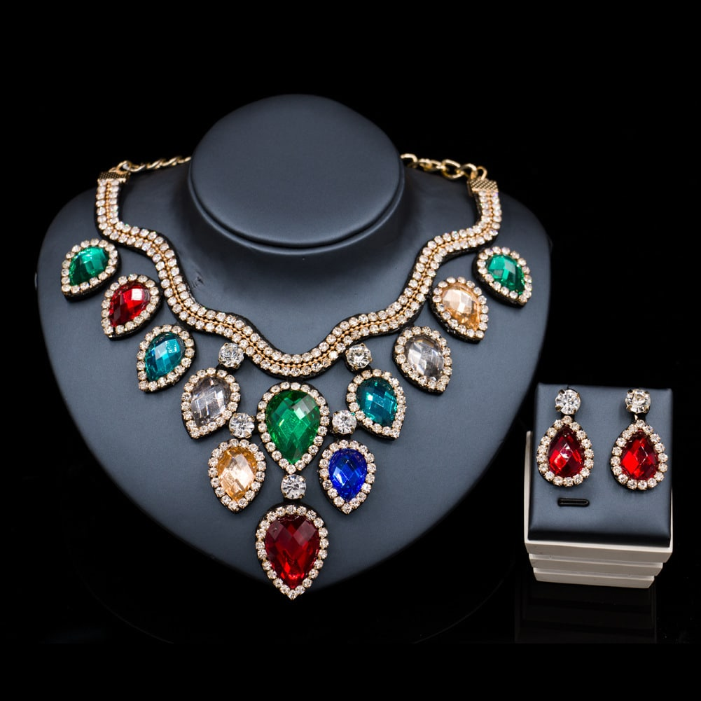 colorful exaggerated bride necklace