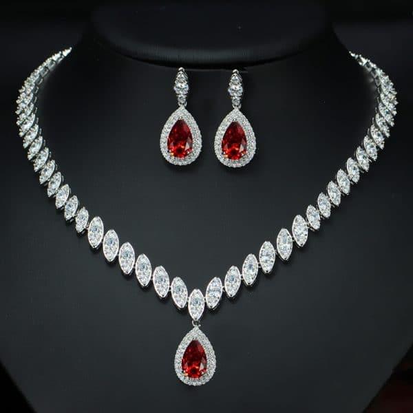 The bride jewelry pendant necklace